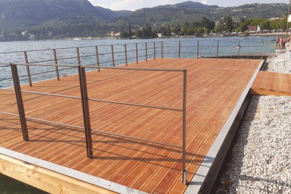 Pontile in legno esotico Lago di Garda