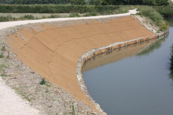 Consolidamento argine fiume Serragio