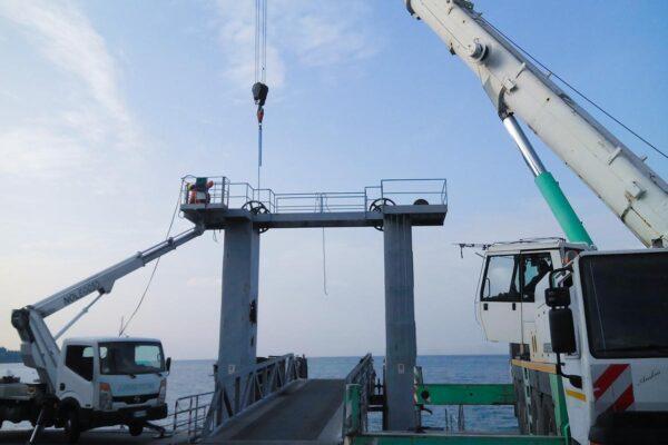 Demolizione speciale pontile Torre del Garda