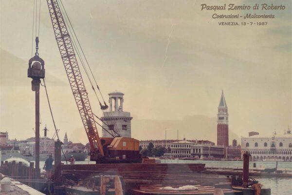 Infissione palancole a Venezia