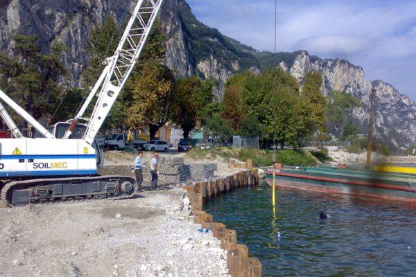 Posa blocchi subacquei Campione del Garda